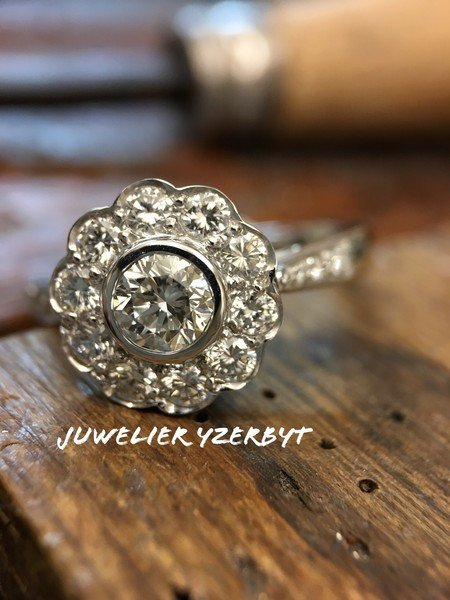 Ring met diamanten